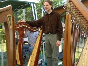 Un momento dello stage di arpa con l'arpista bretone Tristan Le Govic