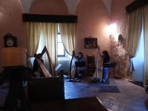 un momento delle prove nelle splendide sale del Castello