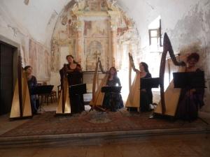 ensemble di arpe celtiche  a San Defendente - Roncola (BG) 13 agosto 2013