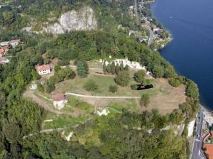 Rocca Borromeo - Arona (NO) foto aerea